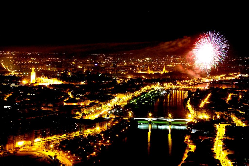 河岸煙火-塞維亞春之慶典 feria de Sevilla /圖片來源