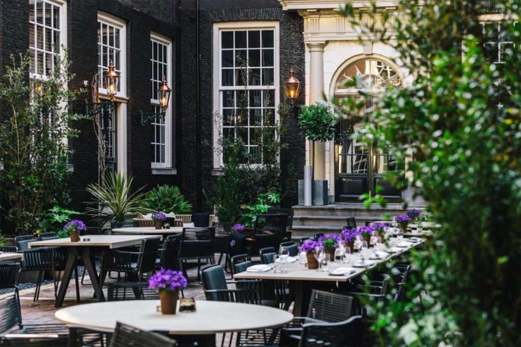 中庭花園−阿姆斯特丹迪倫酒店 The Dylan Amsterdam