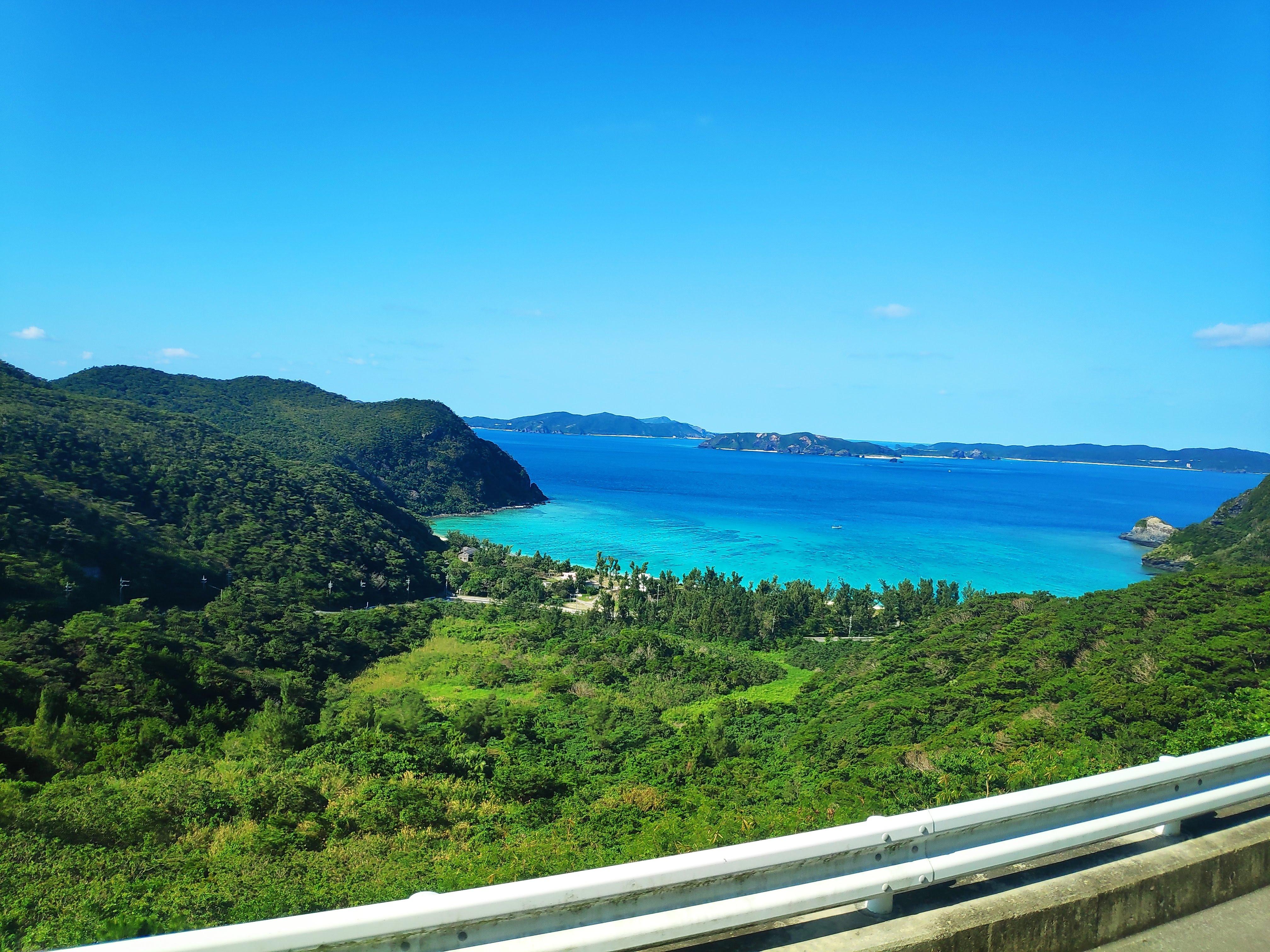 從公車上看渡嘉敷島的海灘/慶良間諸島_圖片來源:喬西